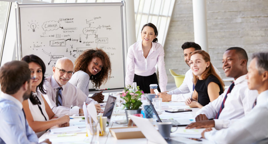 diversity in the workplace a womens Data indicate that today′s business organizations are focusing on diversity as a way of increasing their effectiveness and competitiveness there is every indication that women will be an increasing percentage of the workplace at all levels.