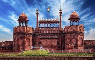 Dalmia Bharat Group Adopts Red Fort; To Spend 25 Cr In 5 Years; Opposition Critisizes Govt. Move